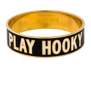 KATE SPADE NWT Enamel Gold PLAY HOOKY IDIOM BANGLE